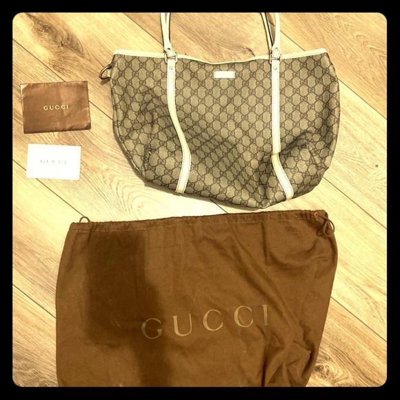 Gucci Handbags - Gucci Canvas Joy tote